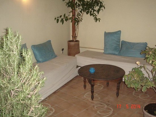 Riad Le Coq Fou: Terrasse associée à la chambre du Ciel