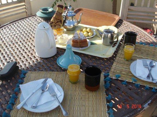 Riad Le Coq Fou: 1er Petit Déjeuner au coq Fou - un régal chaque matin!