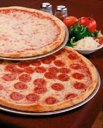 Three Brothers Italian Restaurant: New York Style Neapolitan Pizza