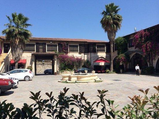Savon Hotel: The courtyard