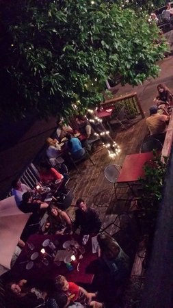 Sierra Nevada House: Late night dinning