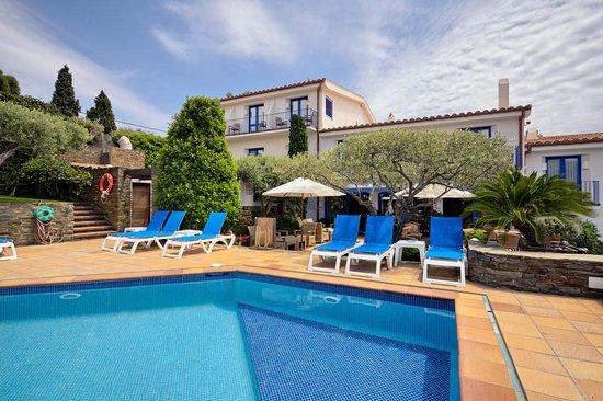 Hotel Blaumar Cadaqués: visat general desde pisacina