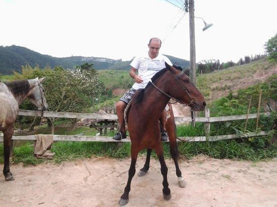 Hotel Fazendao : maridão matando a saudades de anda a cavalo