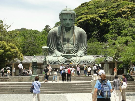 Kotoku-in (Great Buddha of Kamakura): Not too crowded late May