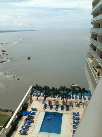 Trump International Hotel & Tower Panama: One of the pool areas