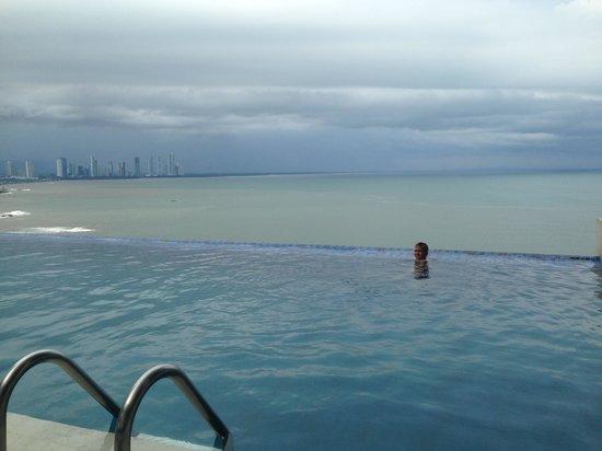 Trump International Hotel & Tower Panama: Infinity pool