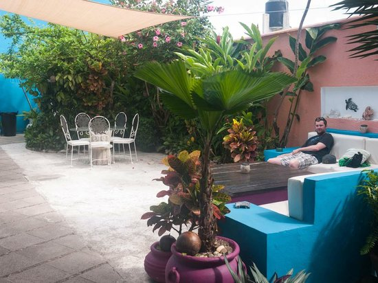 Villas Las Anclas: Outdoor courtyard area. Great for sitting and enjoying the wonderful weather!