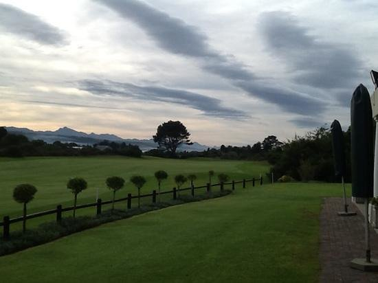 Goose Valley Golf Club: Early morning sky.