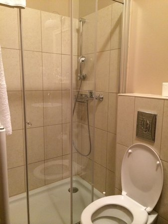 Hotel Jagerhorn : Nice shower with Grohe faucet