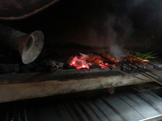 Gaziantep Kebab Salonu: Fresh cooking chicken, lamb and beef selection.