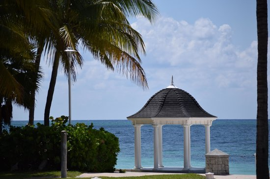 Grand Lucayan, Bahamas: beautiful grounds