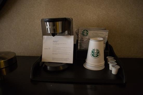 The Westin Los Angeles Airport: cafe starbucks dans les chambres