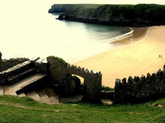 Pembrokeshire Coast National Park: Walks to beaches