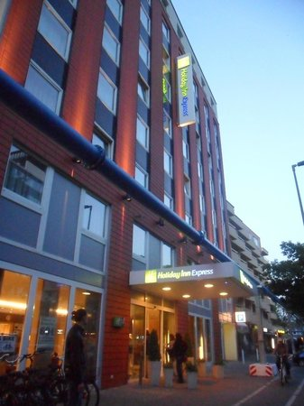 Holiday Inn Express Berlin City Centre-West: hotel