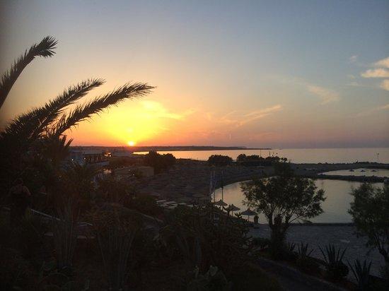 Nana Beach Hotel: Beautiful sunset