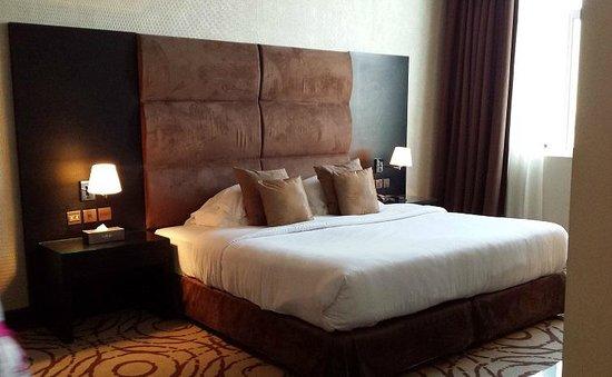 Mangrove Hotel by Bin Majid Hotels & Resort: Bedroom / Bed