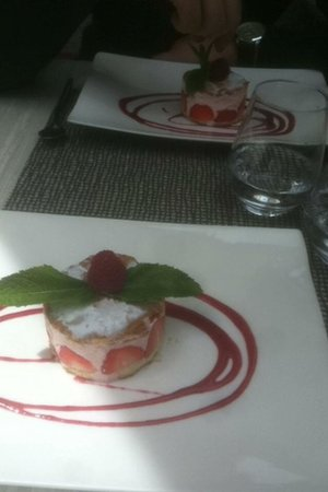 L'un des Sens: Dessert fraisier menu 22€