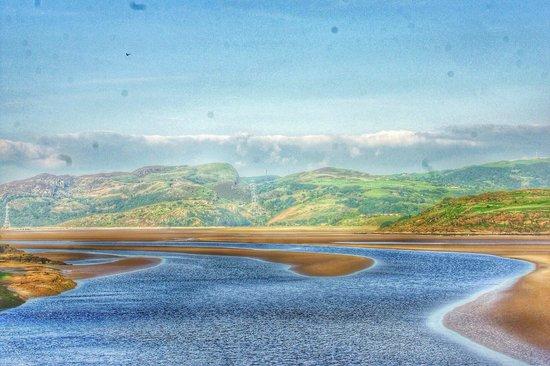 Hotel Portmeirion: view from terrace Afon Dwyryd