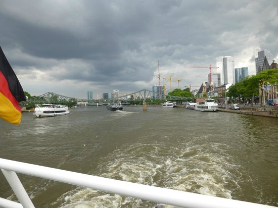 Primus-Linie: Frankfurt from the river.