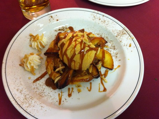 Bravo! Restaurant & Cafe: Apple Tart!