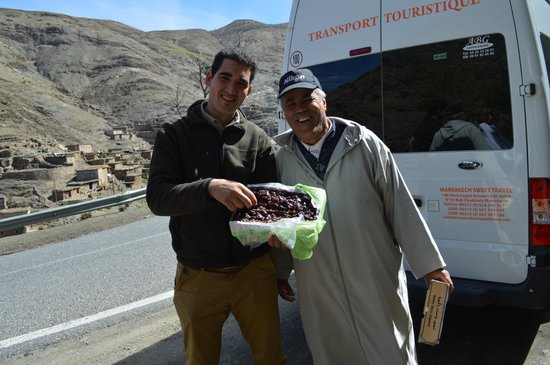 Morocco Countryside Tours: Said and Mbarek. We bought the best dates I have ever tasted!