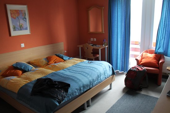 Eiger Guesthouse: adorable and spacious room with a fantastic view!