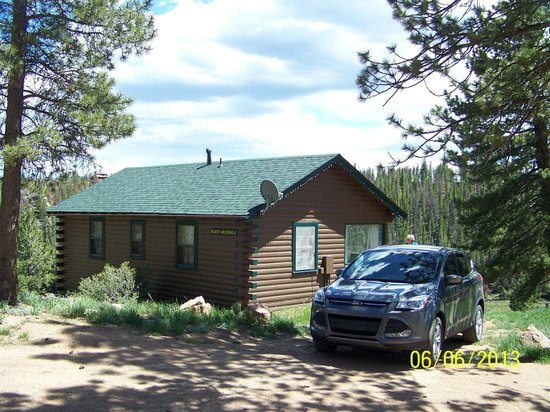 Beaver Meadows Resort Ranch: The cabin we rented,
