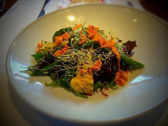 Restaurant L'Impossible : Spring salad dressed in walnut oil