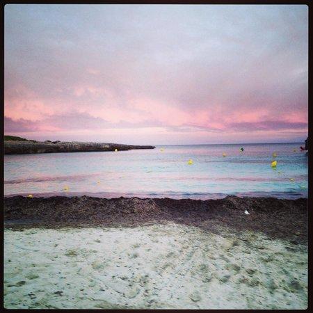 Holiday Village Menorca: Beach at sunset
