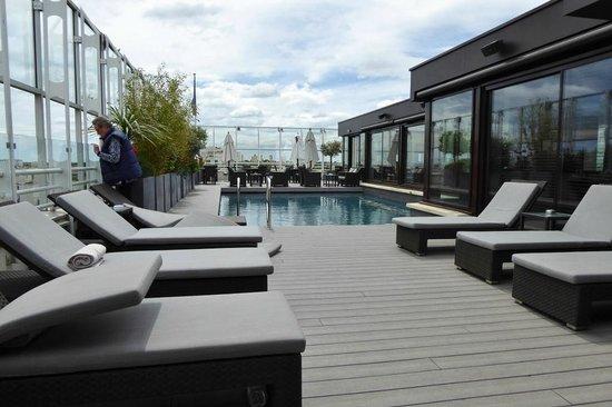 Pullman Montpellier Centre : Dachterrasse/Pool