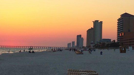 Sunrise Beach Resort: Sunset Final Night