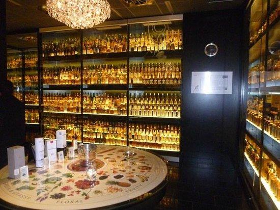 The Scotch Whisky Experience: Mesa de degustação