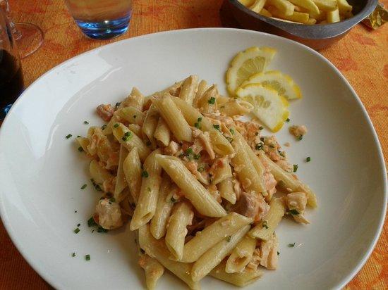 Restaurant l'Escale : Two salmon pasta