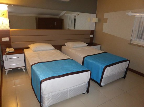 Marcan Resort Hotel : Family room - extra room for kids - spacious & clean