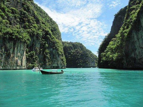 Crystal Clear!! - Picture of Bamboo Island, Ko Phi Phi Don - TripAdvisor
