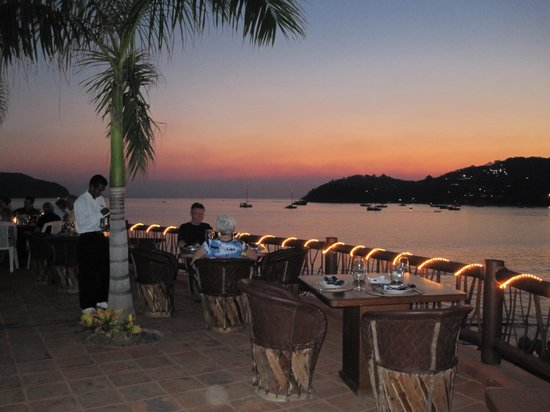 La Quinta de Don Andres: Restaurant tables at sunset