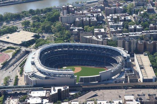 Manhattan Helicopters : Yankees Stadium