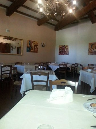 San Gemini, Italy: la sala da pranzo