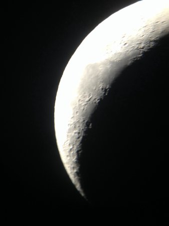 Falcon Adventure : The moon through the telescope during star gazing