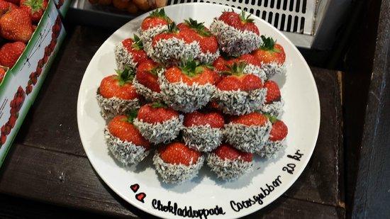 Östermalm Saluhall: Strawberries