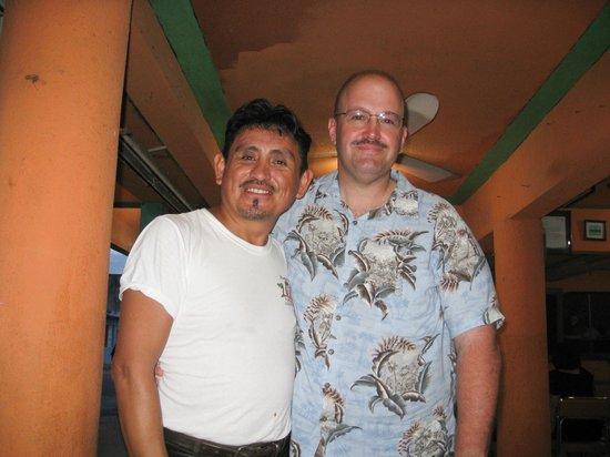 RESTAURANTE EL MORO: Me and Ray, mi hermano.
