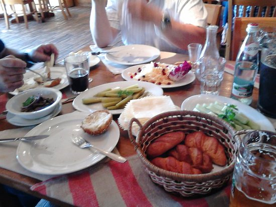 Russian Fishing Restaurant in Komarovo : the table gets filled with goods