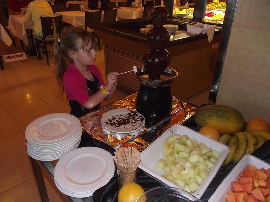Hotel Elba Sara : dinner