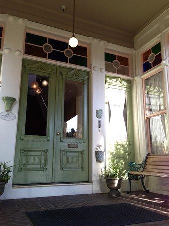 Garden Street Inn: Front Entrance