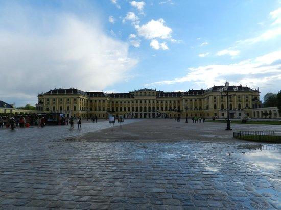 Schloss Schönbrunn: Schonbrunn Palace Grounds