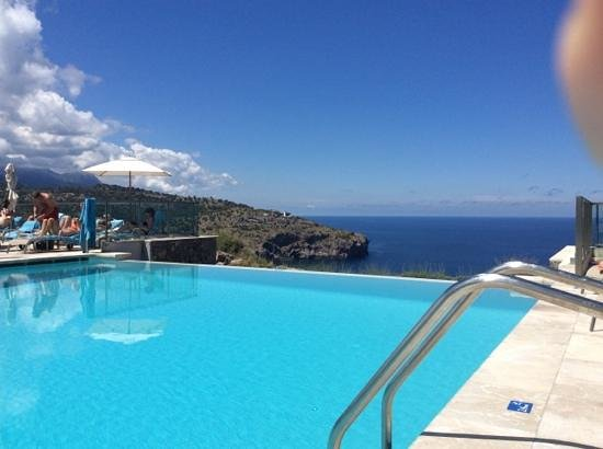 Jumeirah Port Soller Hotel & Spa: Infinity pool