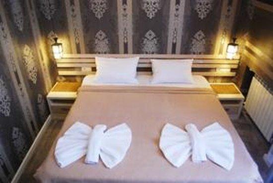 Rustaveli Hotel: Освещение в номерах