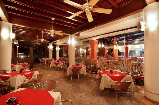 Mayan Palace Mazatlan: Dining