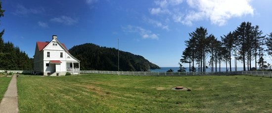 Heceta Head Lighthouse Bed and Breakfast: Grounds