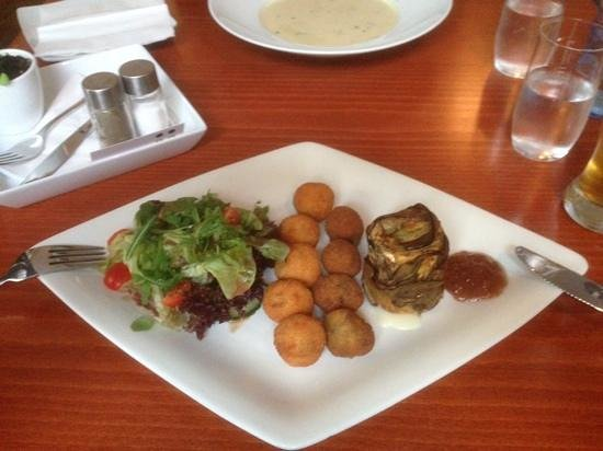 El Hans: croquetts - spinach & cheese, mushroom & risotto with gorgonzola wrapped in aubergine